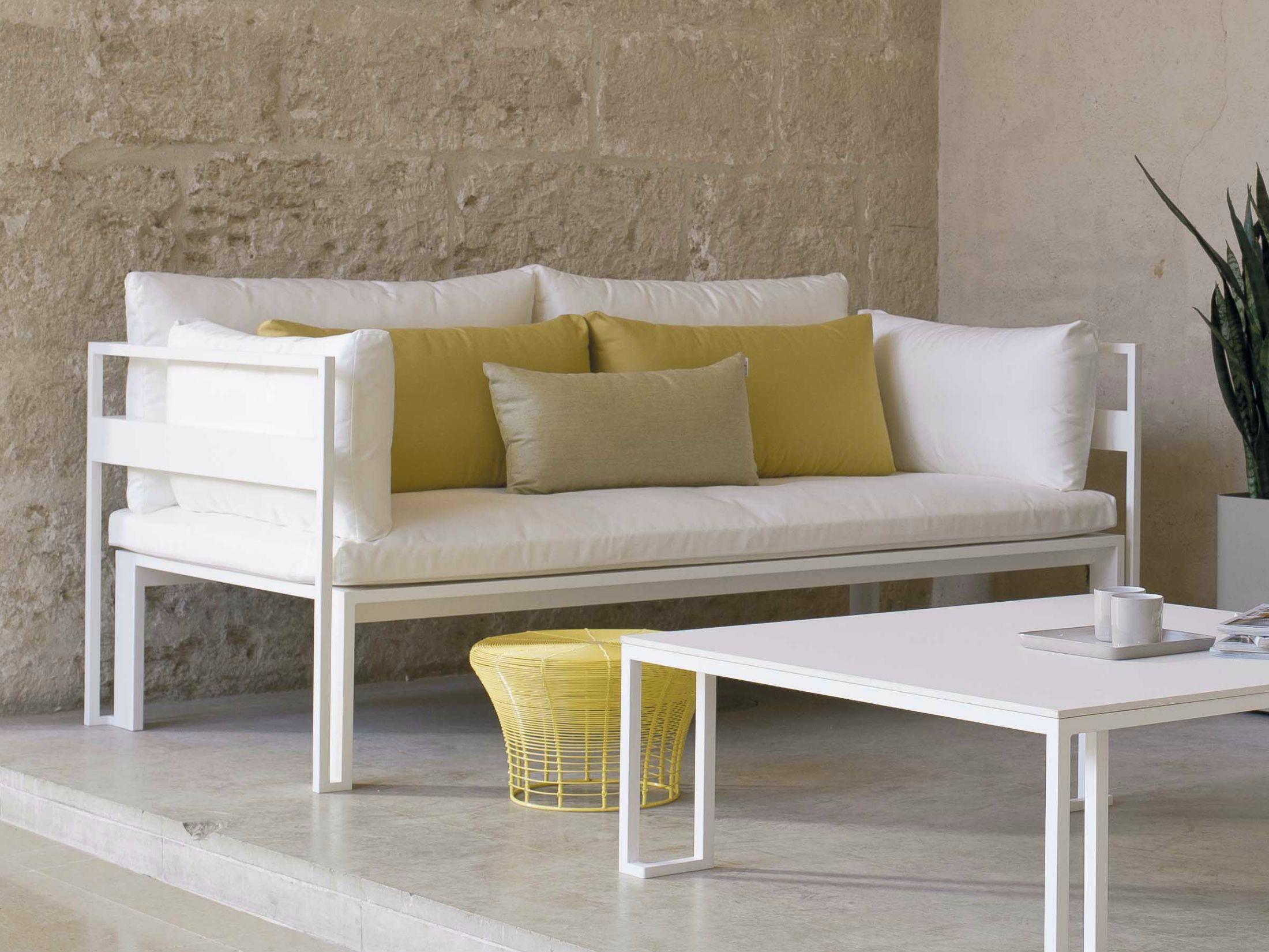 Jian divano by gandia blasco design neri hu design and for Divanetti giardino