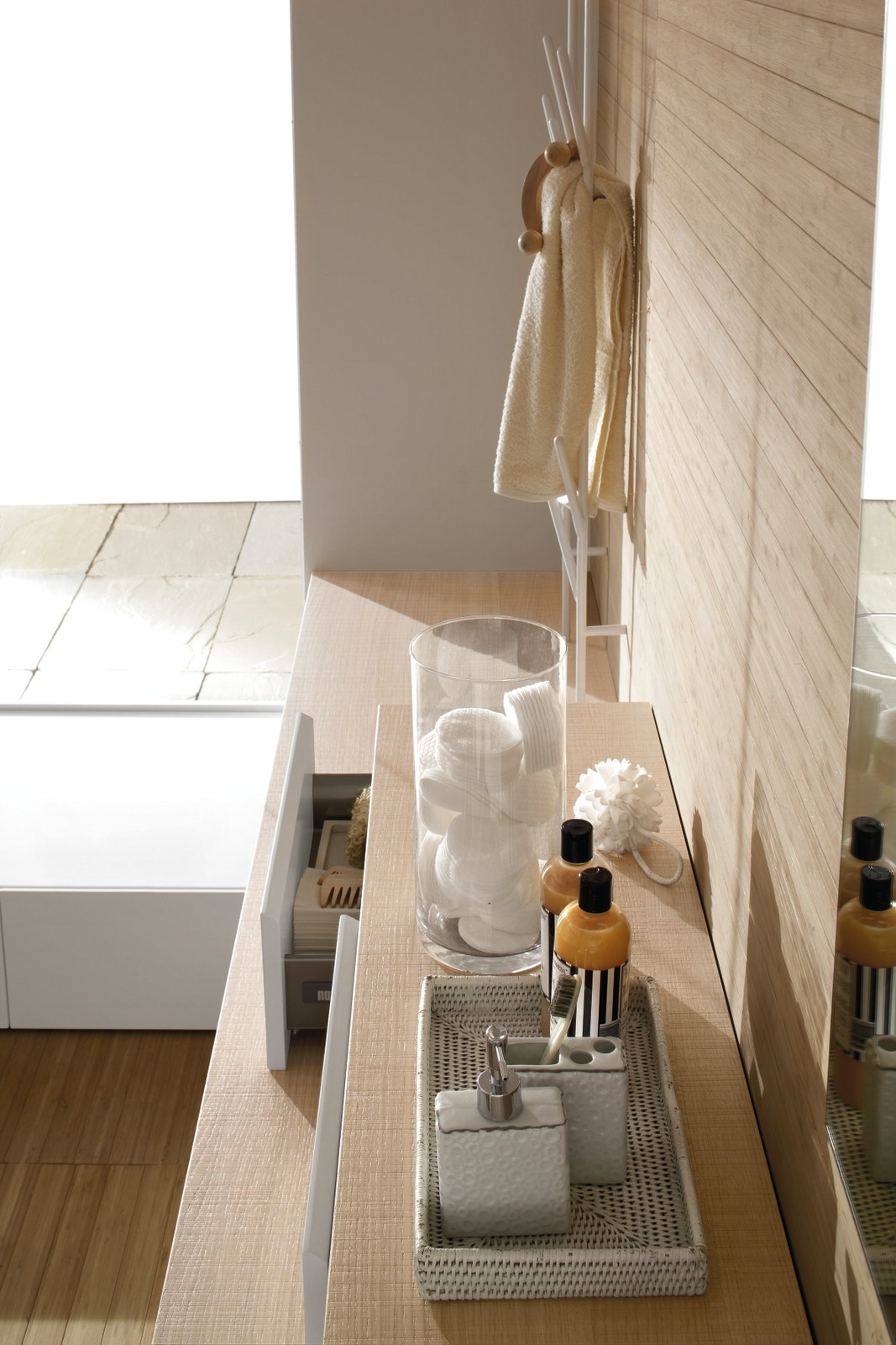 Offerte arredo bagno milano parete attrezzata classica for Offerte arredo bagno