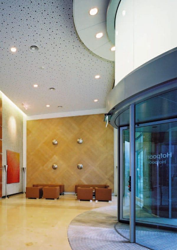 faux plafond acoustique en placo rigitone activ air by saint gobain gyproc. Black Bedroom Furniture Sets. Home Design Ideas