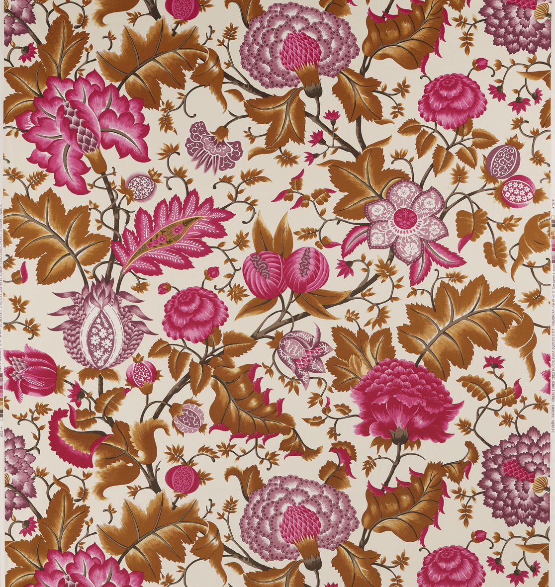 Printed cotton fabric with floral pattern regent by equipo for Printed cotton fabric