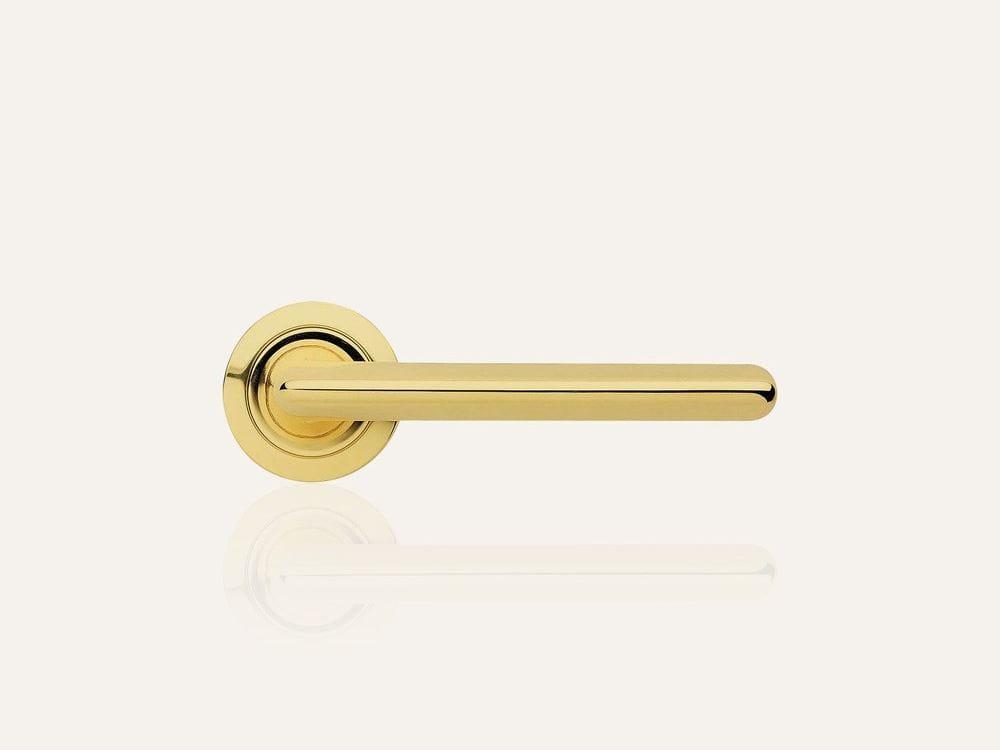 Trendy poign e de porte avec serrure by linea cali 39 - Poignee de porte avec serrure integree ...