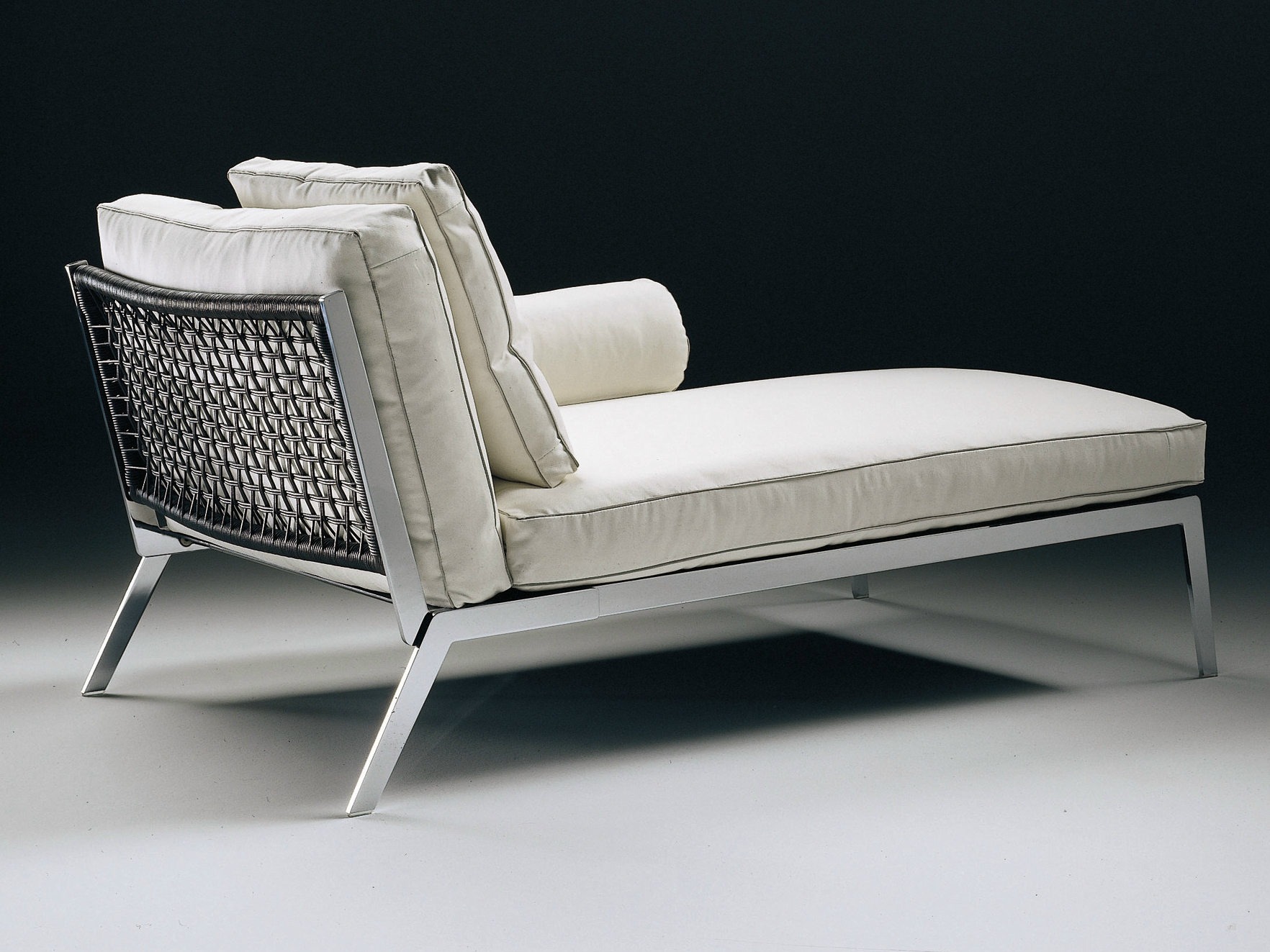 Happy upholstered day bed by flexform design antonio citterio for Chaise longue flexform