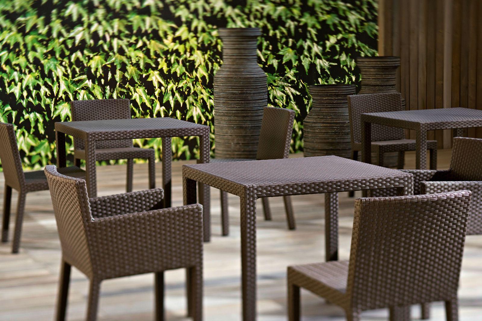 mesa jardim quadrada:Mesa quadrada para jardim INOUT 232 by Gervasoni design Paola Navone