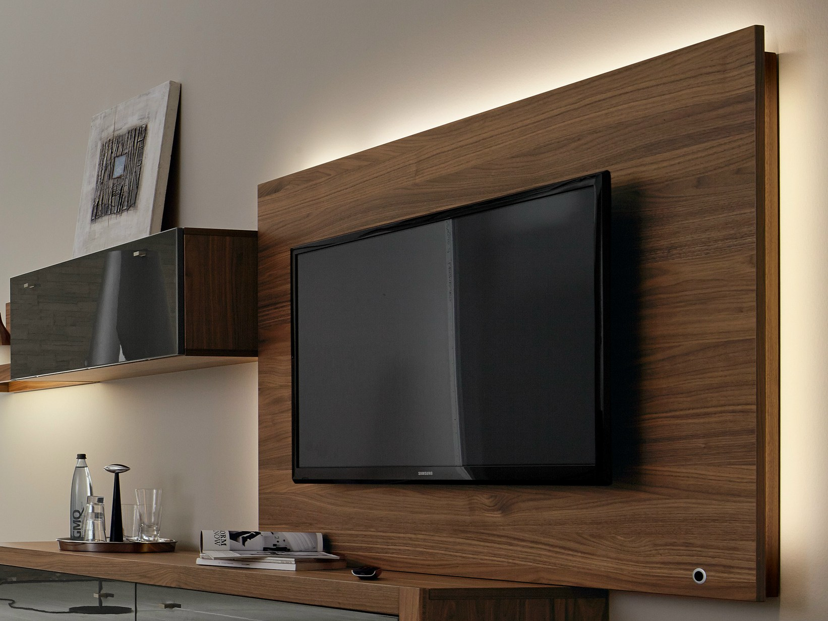 xelo tv cabinet with built in speakers by h lsta werke h ls. Black Bedroom Furniture Sets. Home Design Ideas