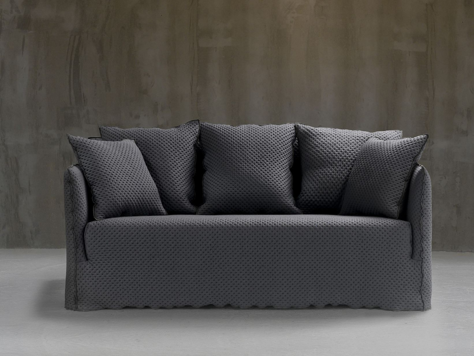 3 seater sofa with removable cover ghost 10 by gervasoni design paola navone. Black Bedroom Furniture Sets. Home Design Ideas