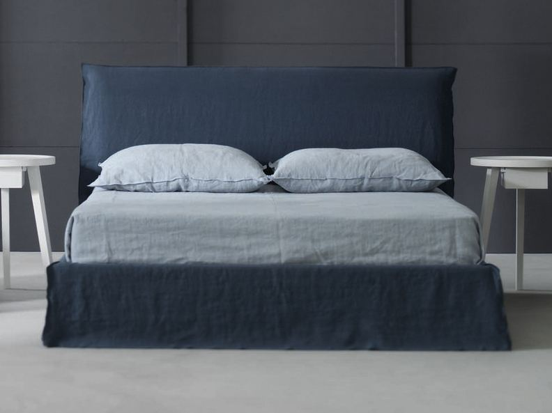 ghost 80 doppelbett by gervasoni design paola navone. Black Bedroom Furniture Sets. Home Design Ideas