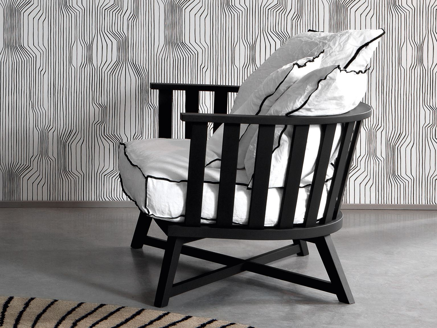 fauteuil avec accoudoirs gray 07 collection gray by. Black Bedroom Furniture Sets. Home Design Ideas