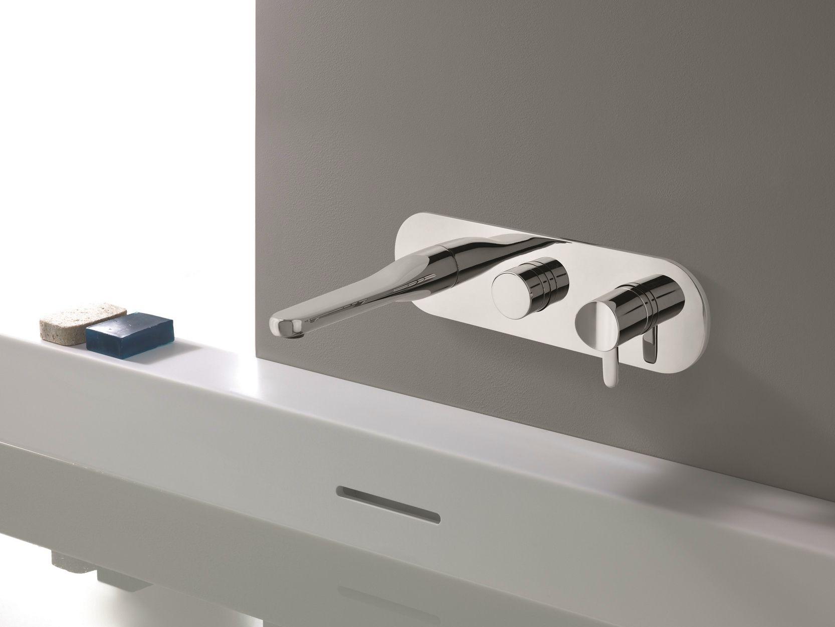 beak robinet pour baignoire by cristina rubinetterie design claudia danelon. Black Bedroom Furniture Sets. Home Design Ideas