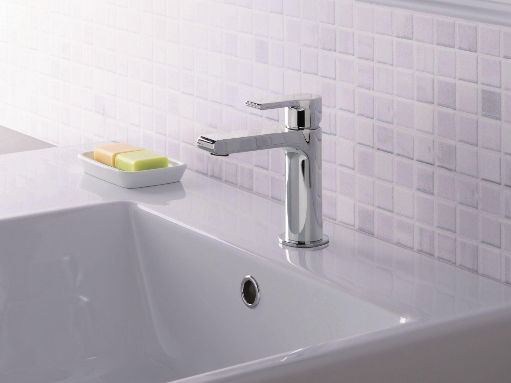 Miscelatore per lavabo cromo da piano monocomando for Rubinetteria bagno
