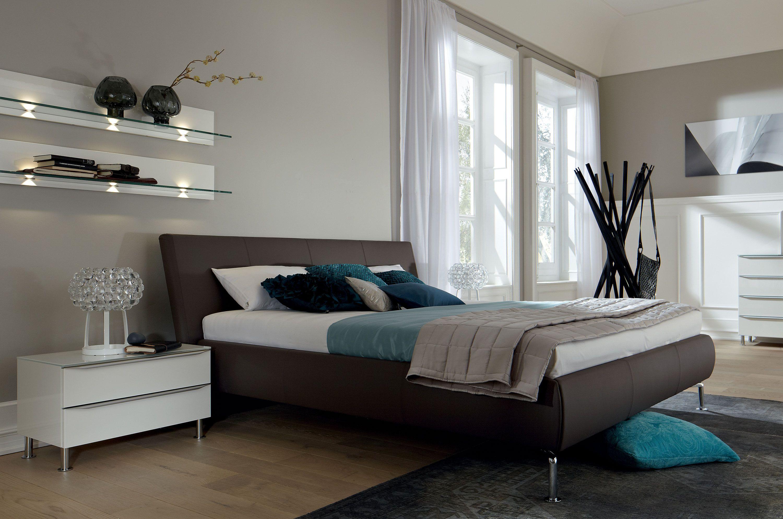 METIS PLUS Bett aus Leder by Hülsta-Werke Hüls