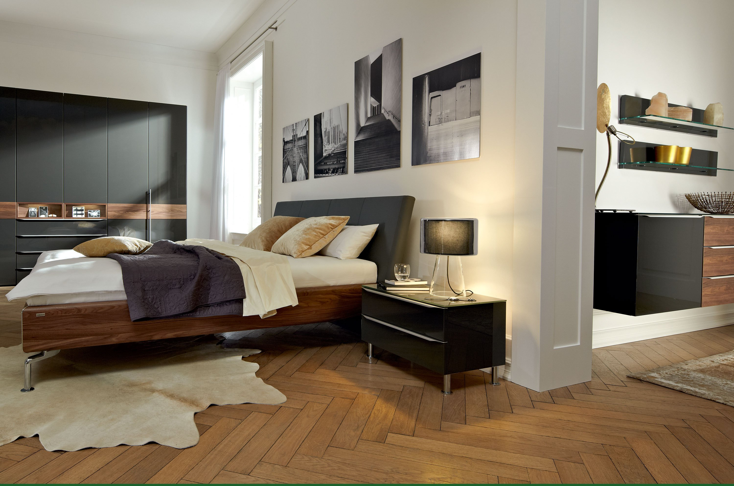 metis plus bett aus walnuss by h lsta werke h ls. Black Bedroom Furniture Sets. Home Design Ideas