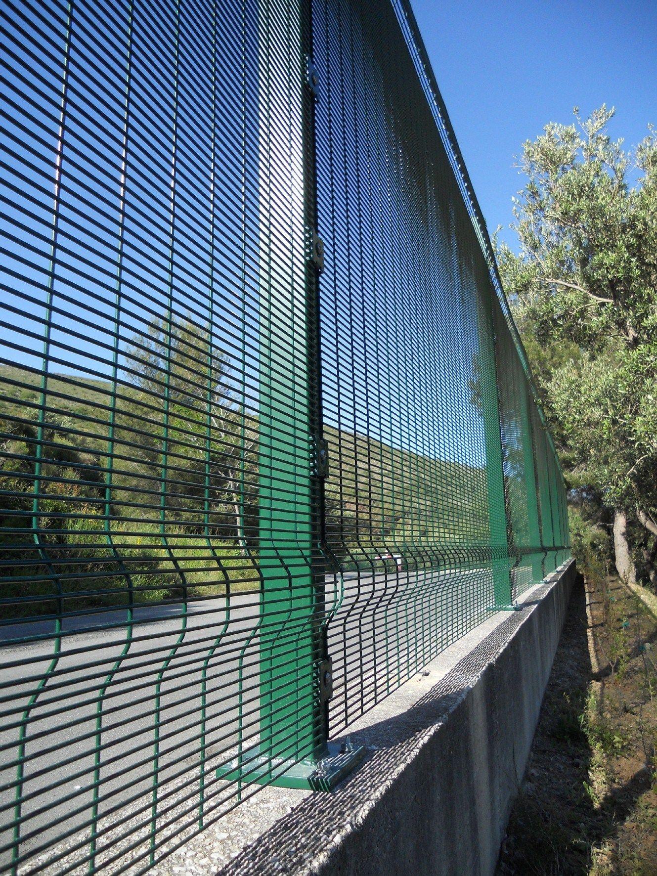 security fence securifor 3d securifor line by betafence. Black Bedroom Furniture Sets. Home Design Ideas