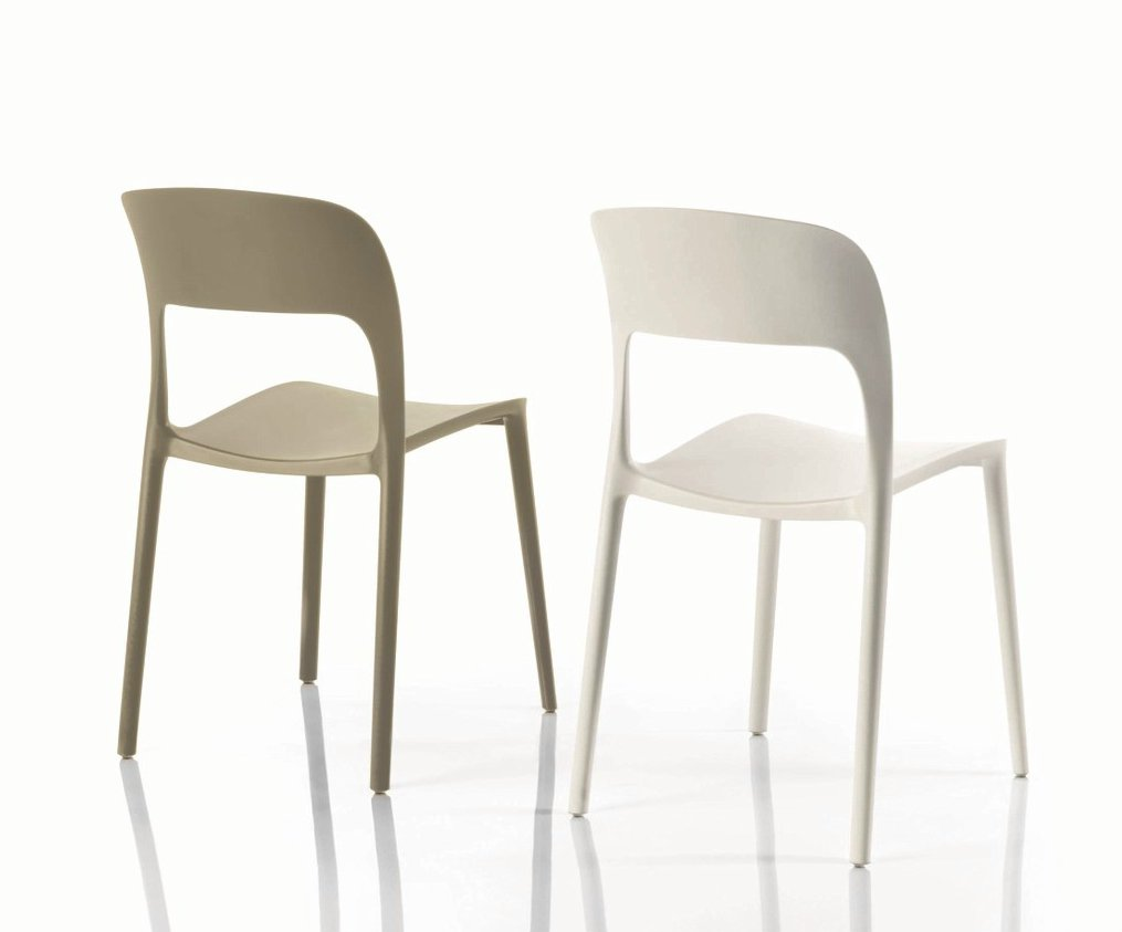 Gipsy plastic chair by bontempi casa design archirivolto for Sillas plasticas