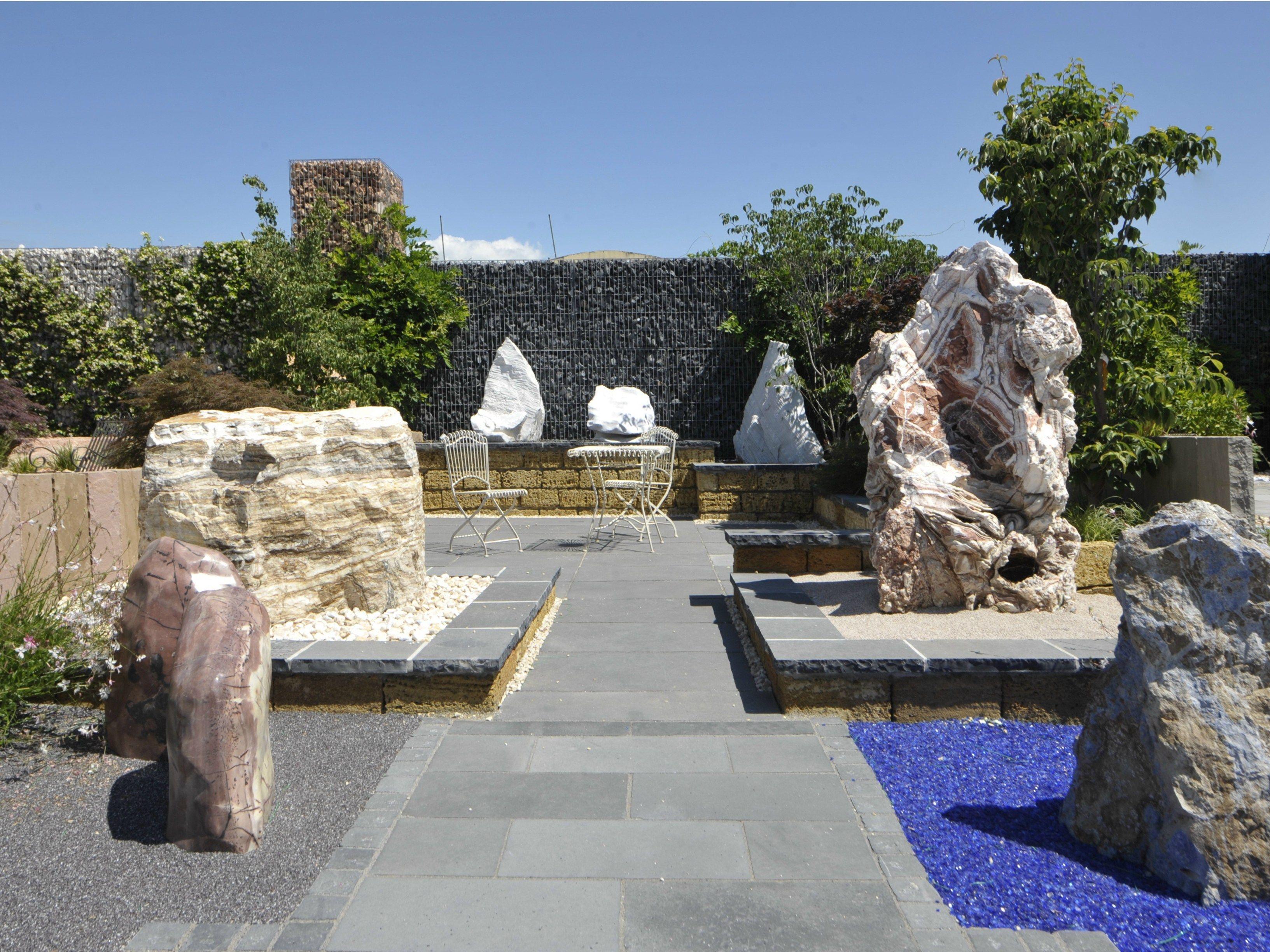 fuente de piedra natural con cascada zebra premium by granulati zandobbio