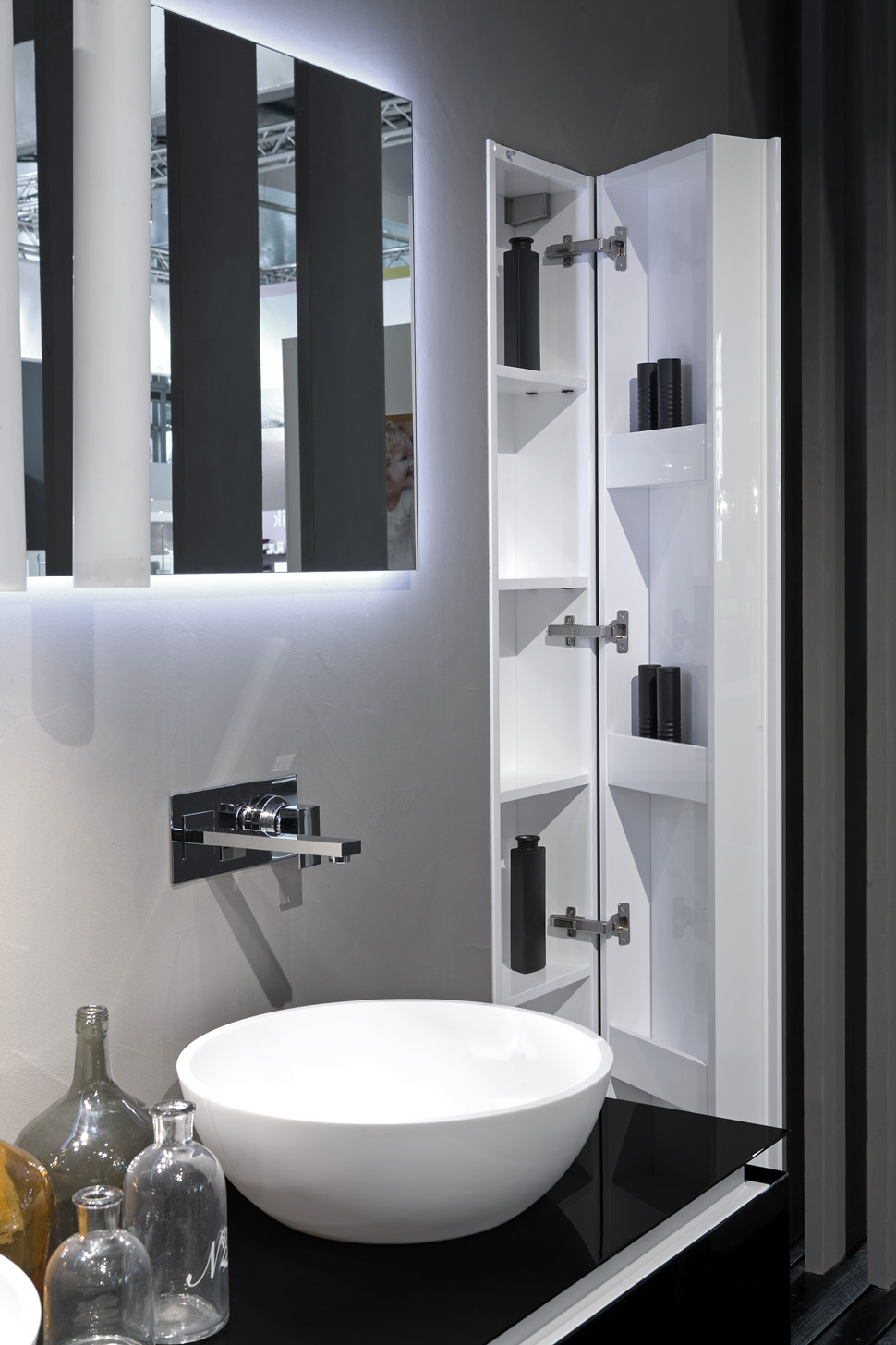 Mobile bagno a colonna in out by rifra - Mobile bagno fly ...