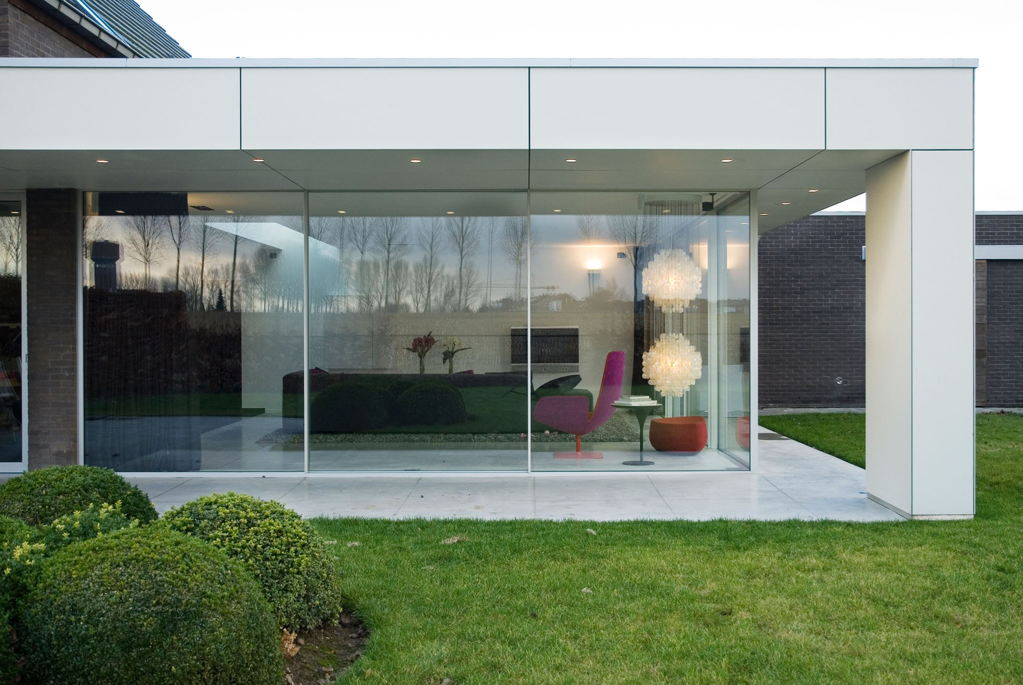 Finestra scorrevole in alluminio keller minimal windows for Veranda window design
