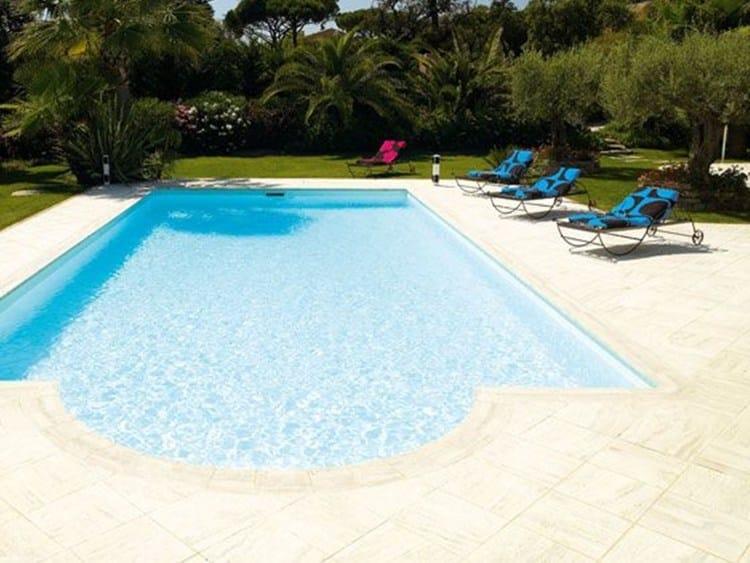 Carrelage de sol ext rieur en composite travertin desjoyaux by desjoyaux piscine italia for Piscine en travertin