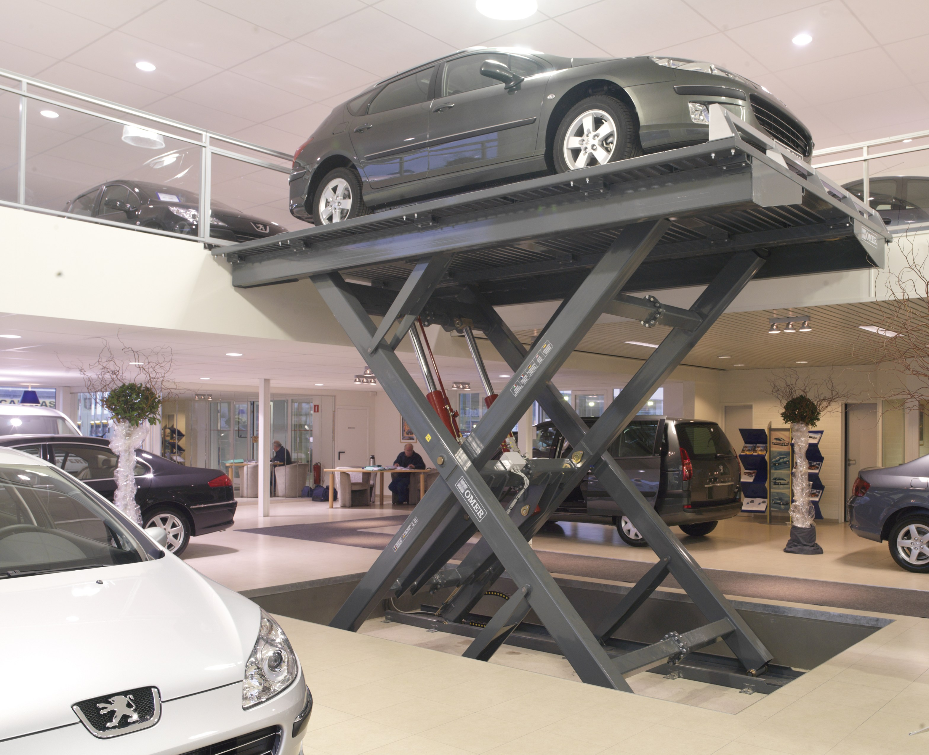 monte voitures rex gold 30 by o me r. Black Bedroom Furniture Sets. Home Design Ideas