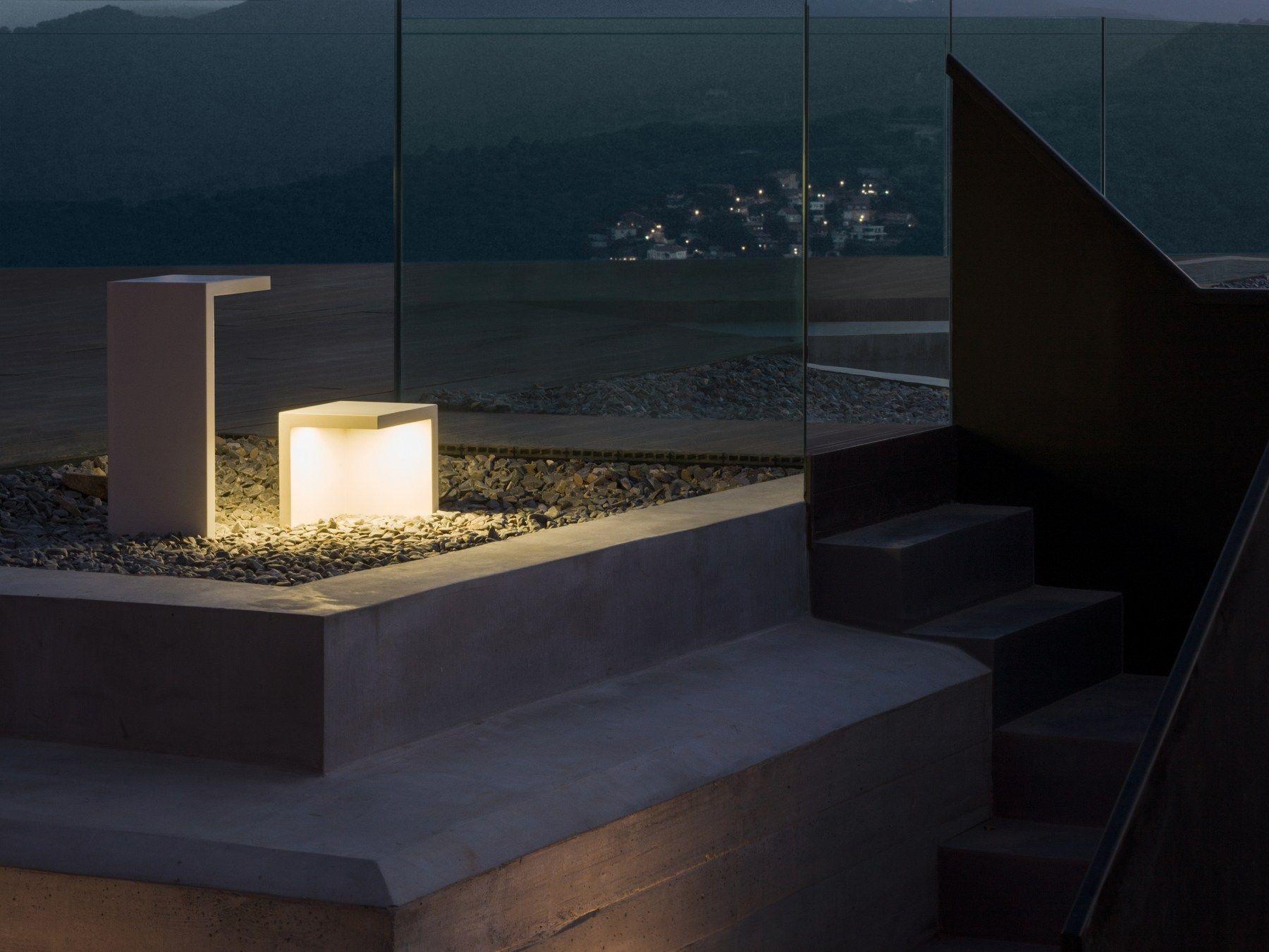 Led cement floor lamp empty by vibia design josep llu s - Iluminacion exterior led ...