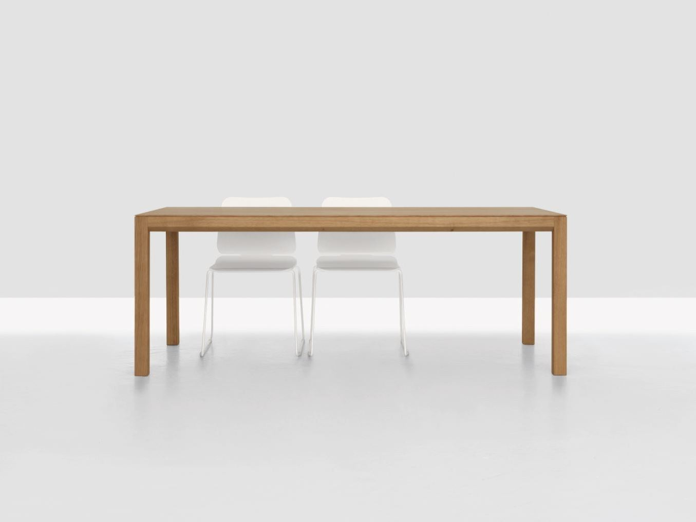 Table extensible rectangulaire en bois domino zoom by zeitraum for Table rectangulaire extensible bois
