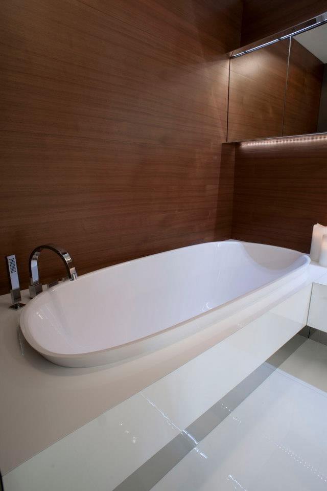 level 45 baignoire semi encastr e by falper design naghi habib. Black Bedroom Furniture Sets. Home Design Ideas