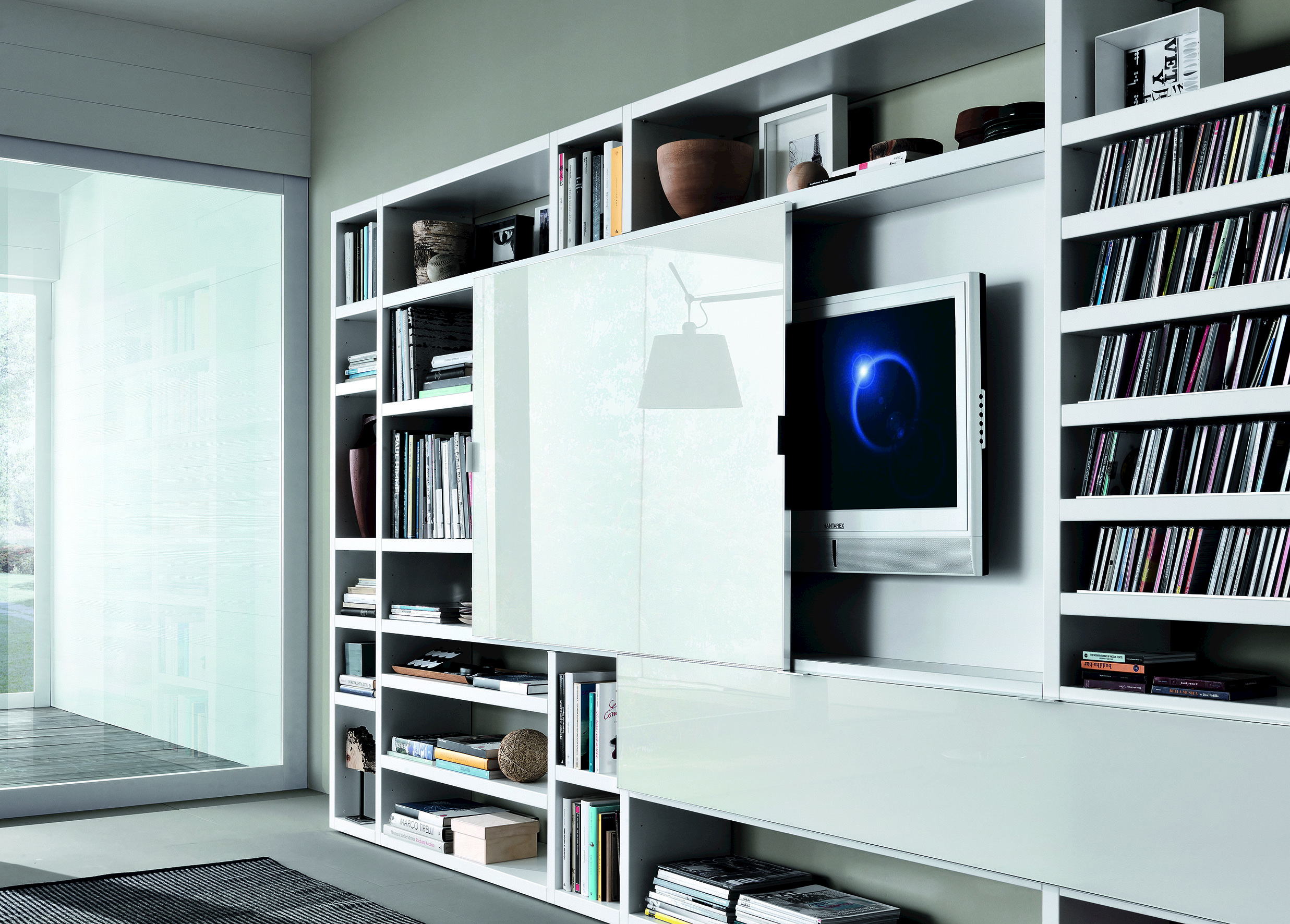Crossing mueble modular de pared lacado by misuraemme for Mueble que esconde tv