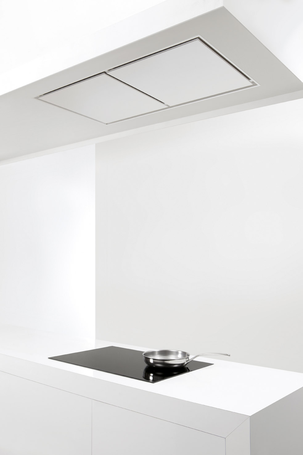 Hotte de plafond encastrable en acier inoxydable 856 maxi pure line by novy for Comhotte plafond siemens