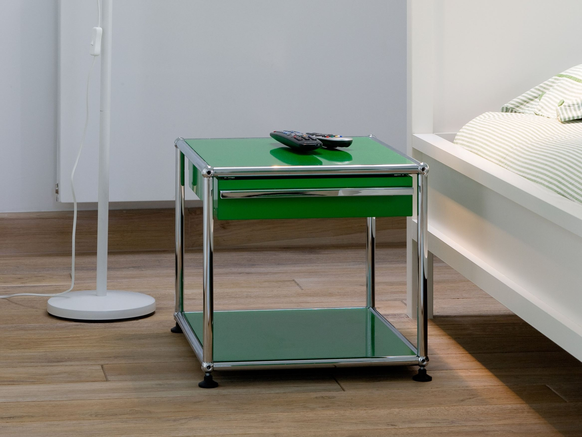 usm haller nightstand nachttisch by usm modular furniture design fritz haller. Black Bedroom Furniture Sets. Home Design Ideas