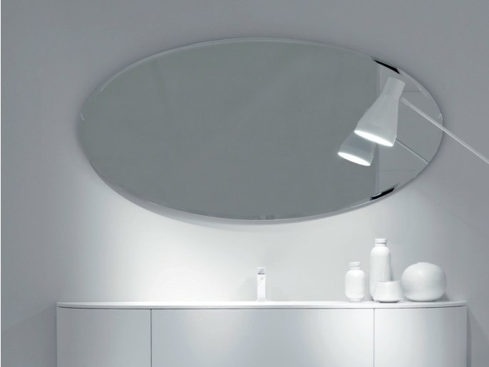 Miroir ovale by falper design falper design for Miroirs pour salle de bain