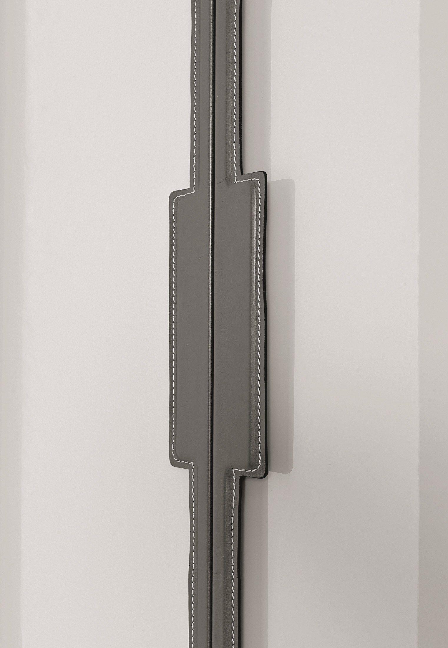 #6E635D Armoire En Bois à Portes Coulissantes Sur Mesure REVERS By  1161 armoires portes coulissantes sur mesure 1522x2200 px @ aertt.com