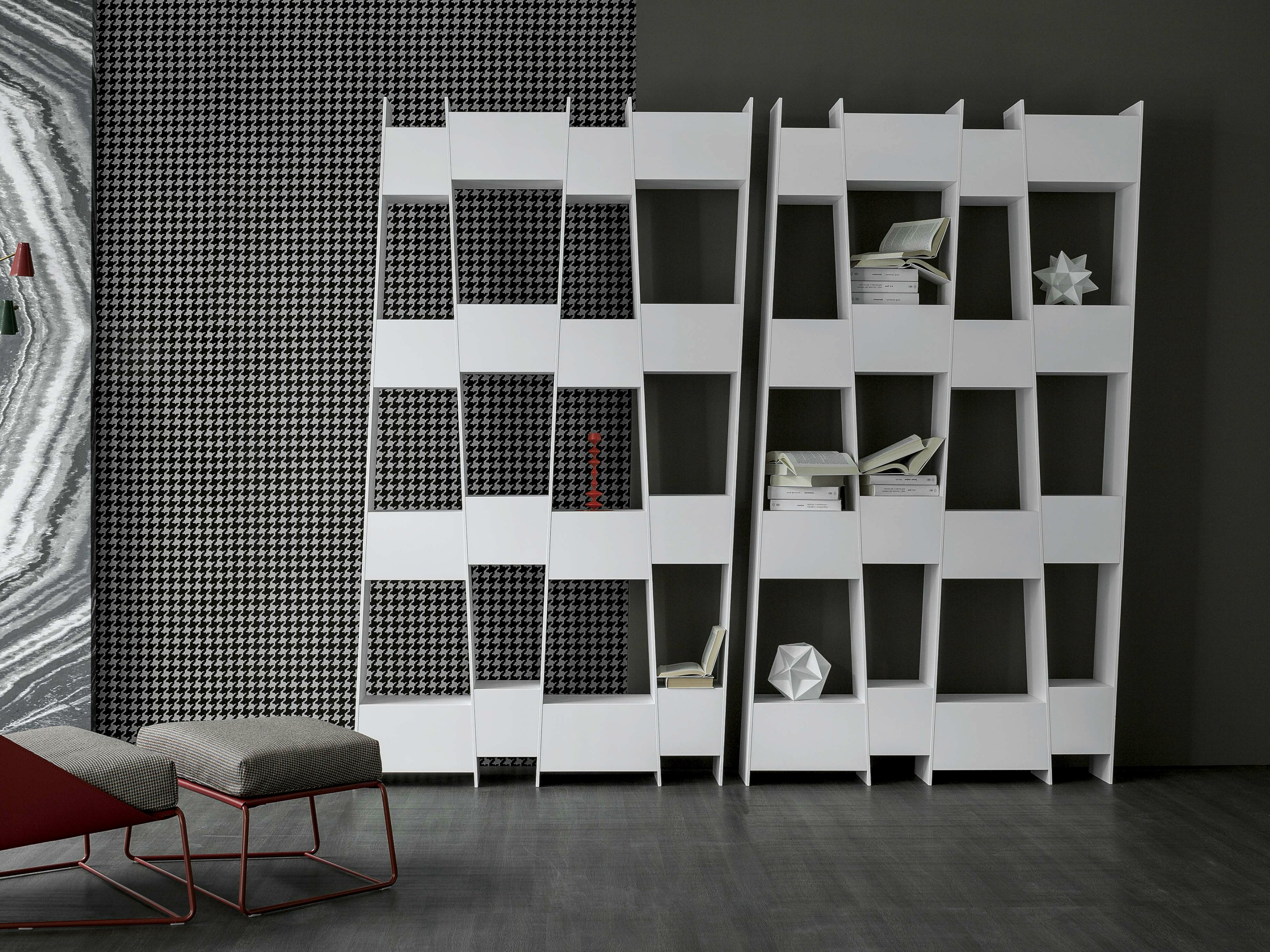 biblioth que laqu e en bois tilt by bonaldo design. Black Bedroom Furniture Sets. Home Design Ideas