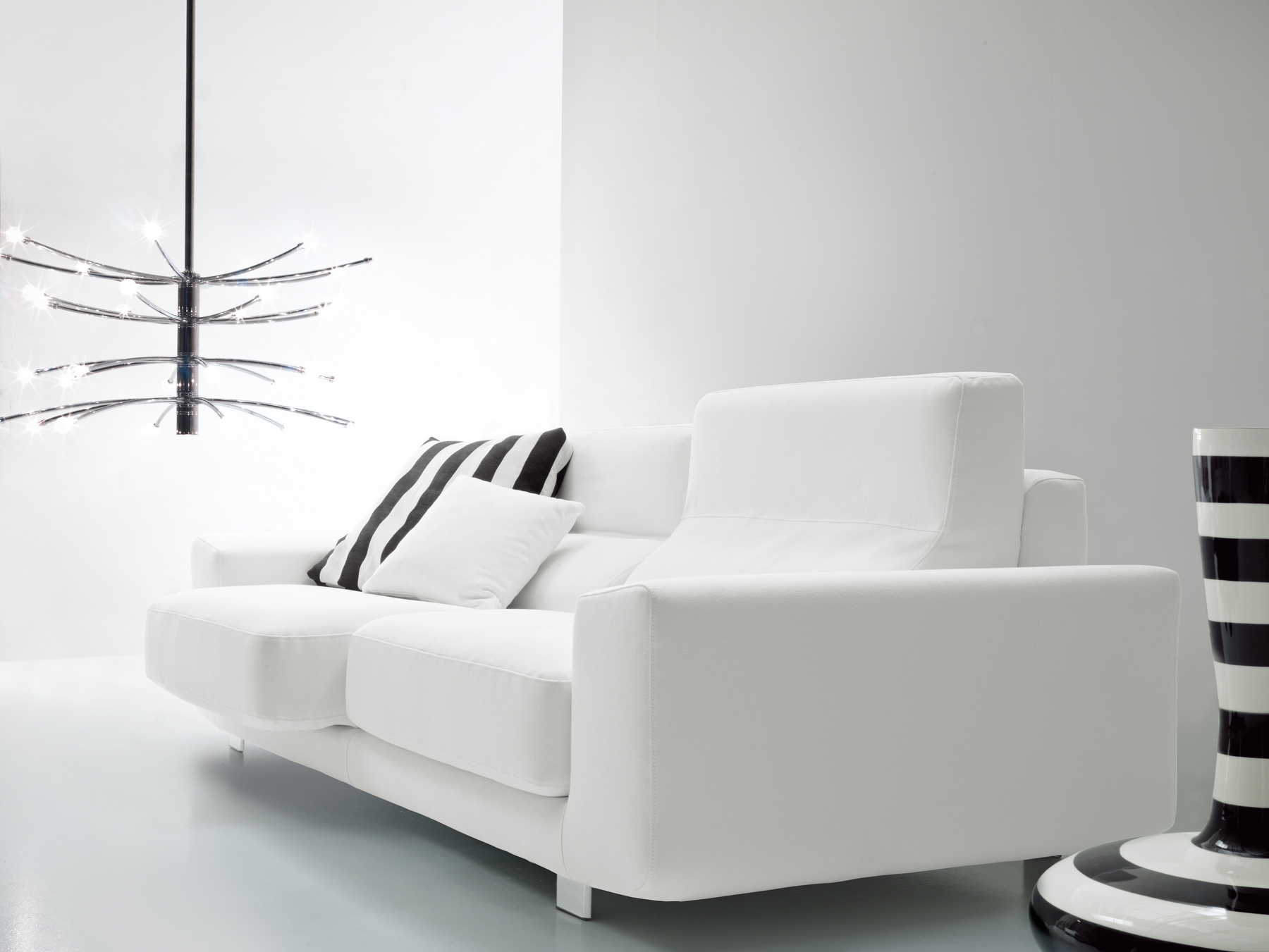 Klaus divano in tessuto by bontempi casa design daniele for Divano klaus