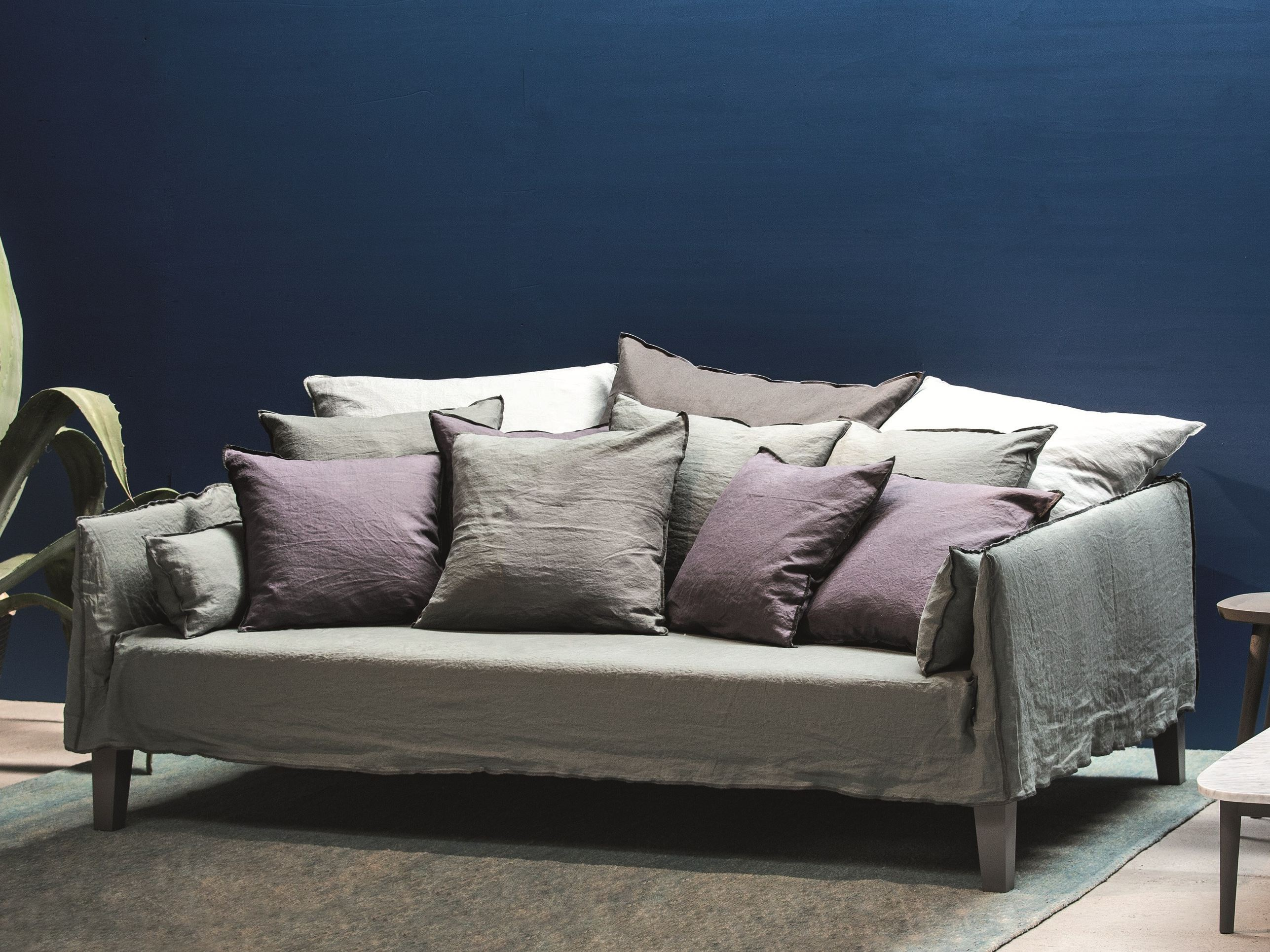 4 seater sofa with removable cover up 16 by gervasoni. Black Bedroom Furniture Sets. Home Design Ideas