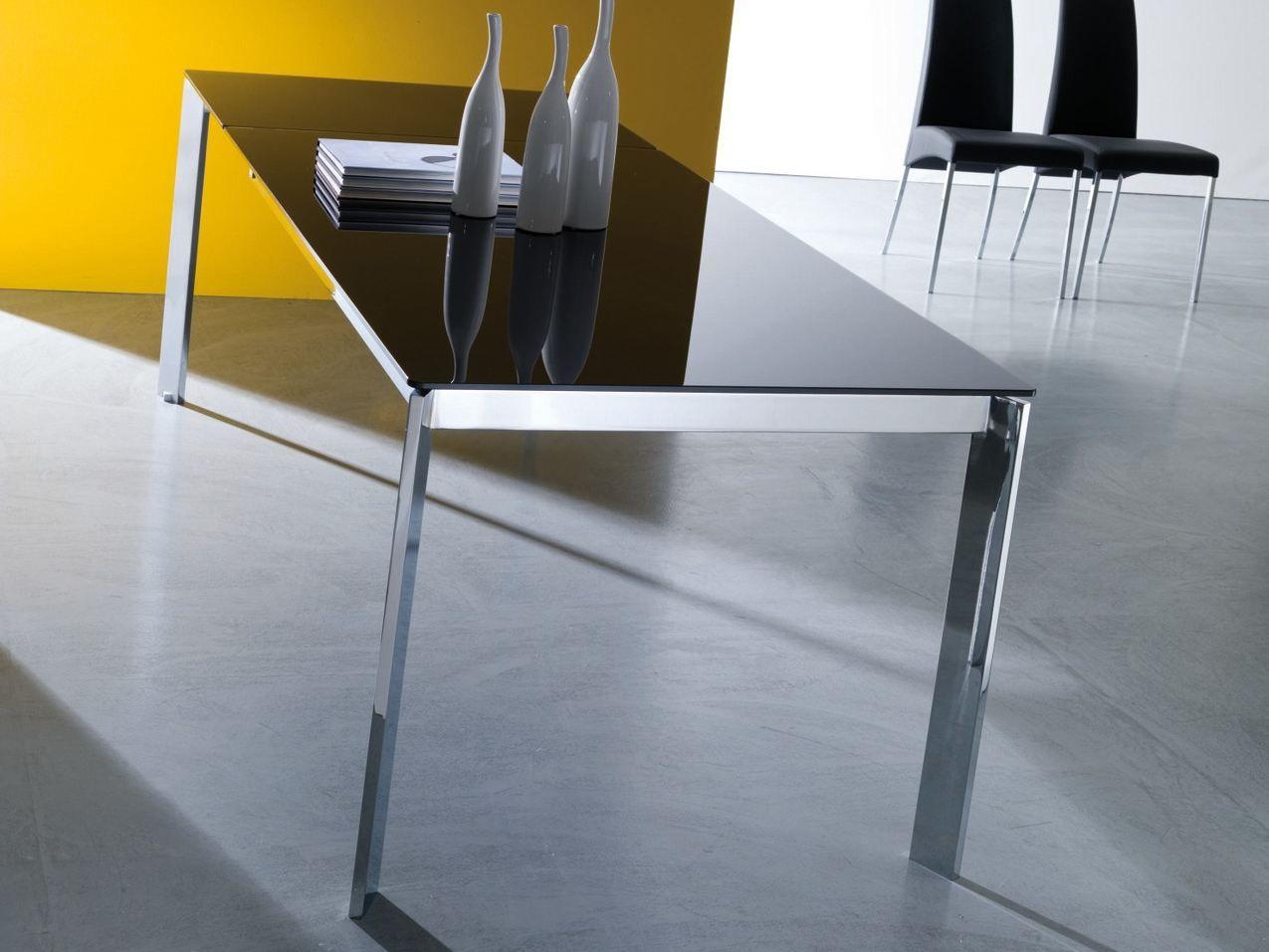 Tavolo in acciaio e cristallo niko collezione tavoli by for Tavoli in cristallo e acciaio
