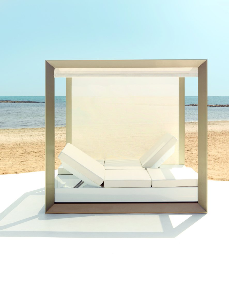 vela lit de jardin baldaquin by vondom design ram n esteve. Black Bedroom Furniture Sets. Home Design Ideas