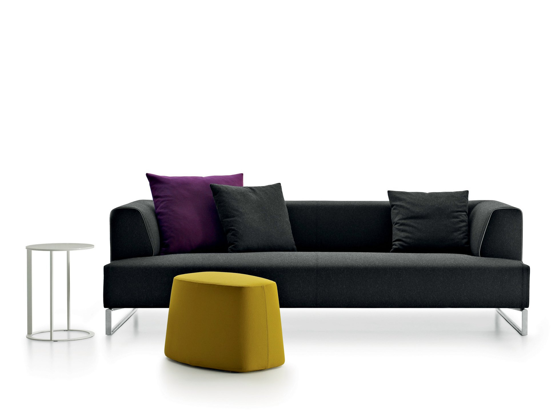 solo 39 14 sofa by b b italia design antonio citterio. Black Bedroom Furniture Sets. Home Design Ideas