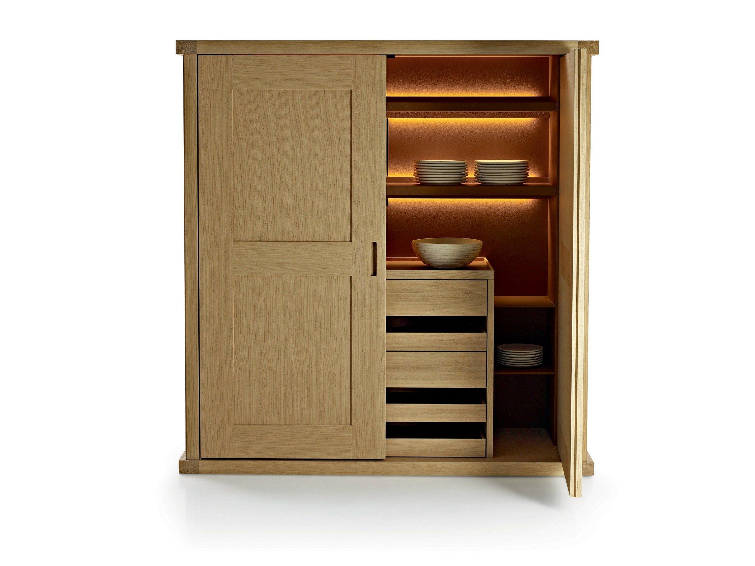 Credenza in legno con cassetti convivium by maxalto a for Maxalto mobili
