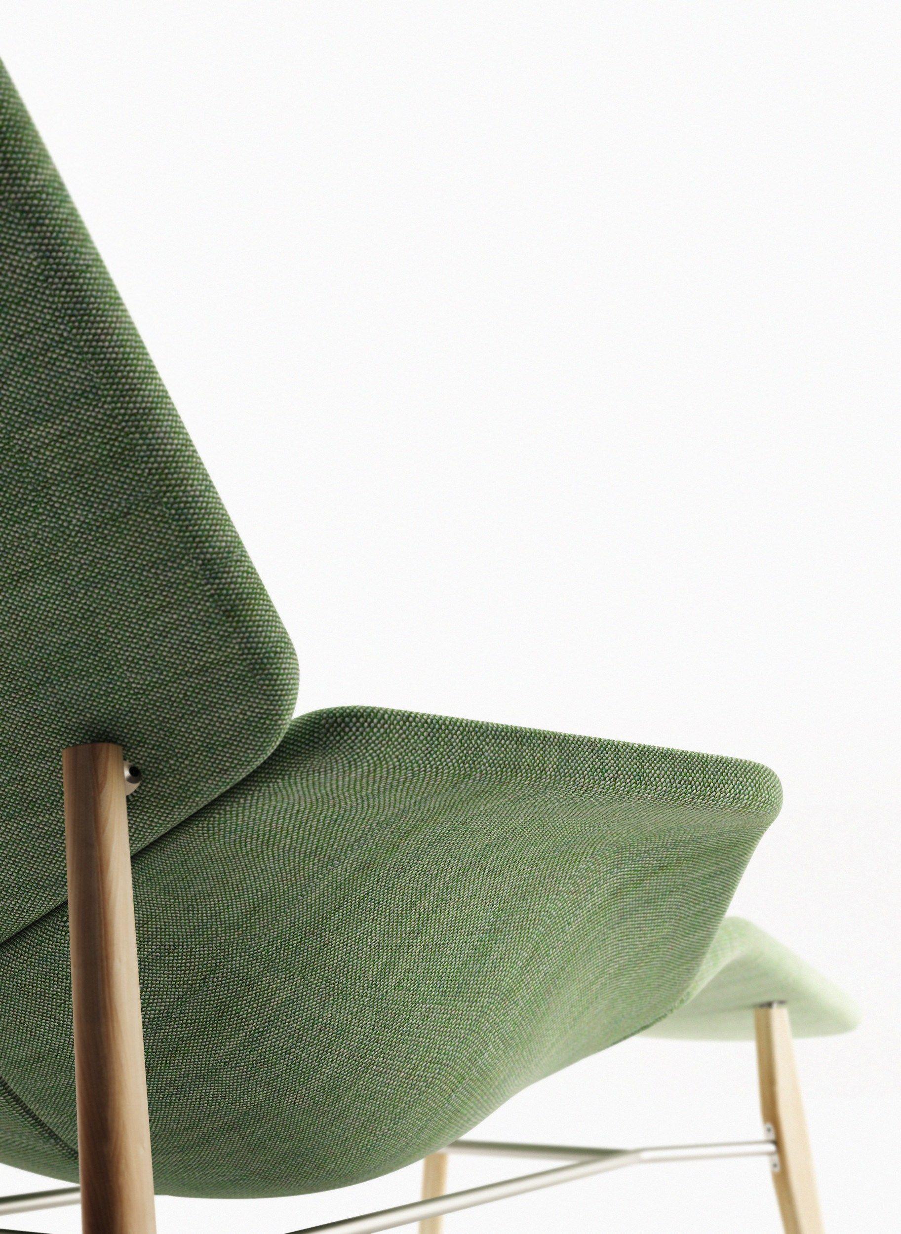 Chaise longue en tissu atoll by tacchini italia forniture for Chaise longue en tissu