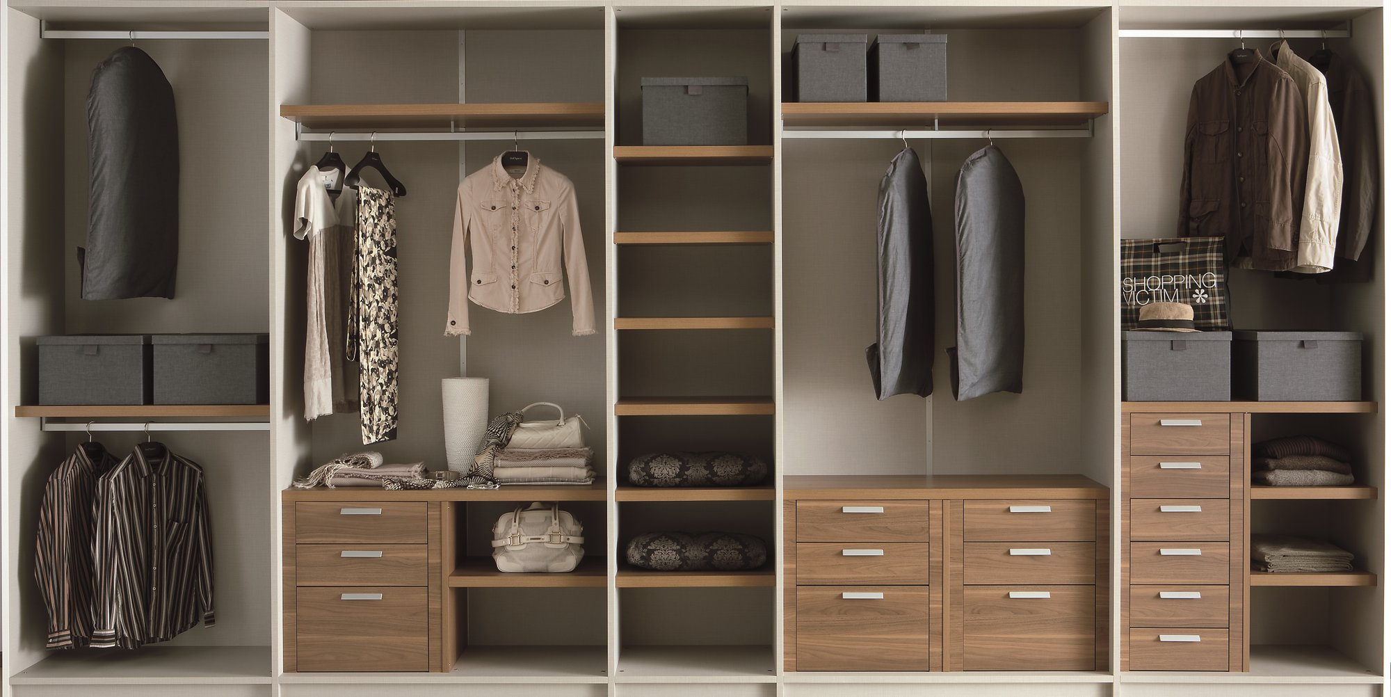 Built in lacquered wardrobe with sliding doors emotion - Interno armadio ...