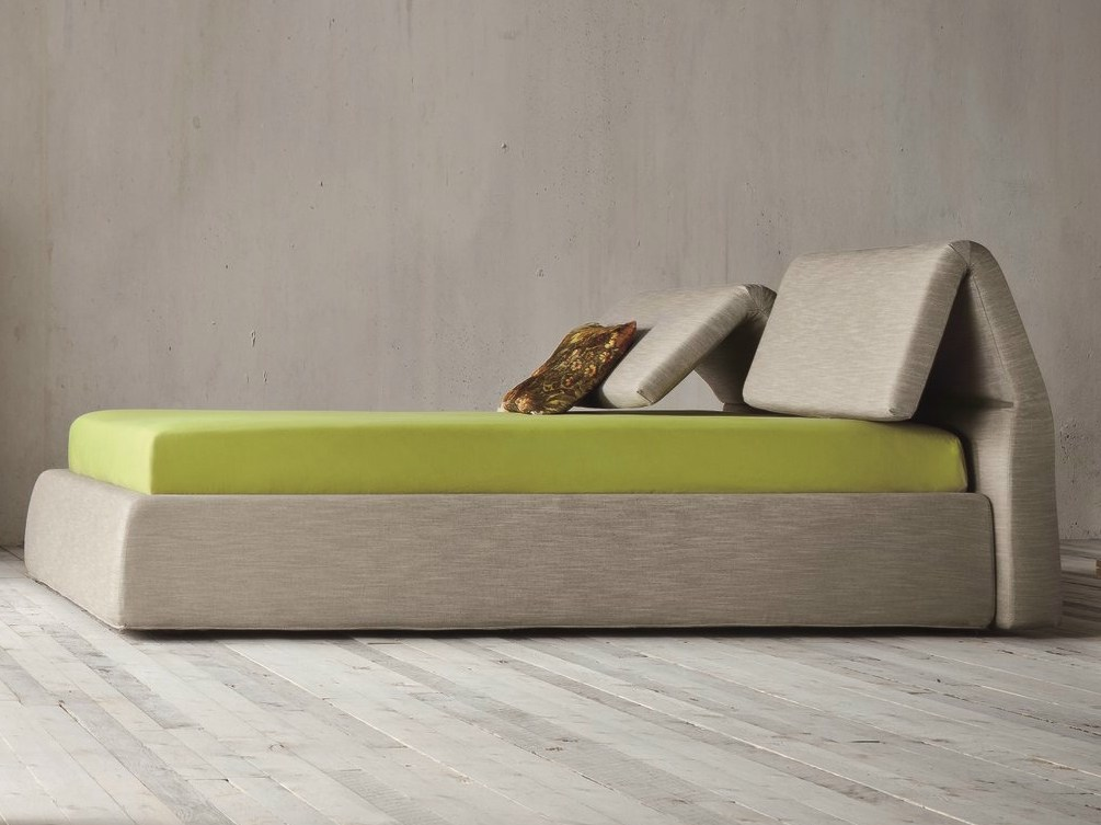 Plia bed with adjustable headrest by dall agnese design for Bed headrest design