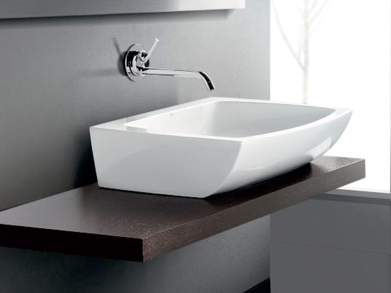 Arredo bagno completo in ceramica square by a e t italia for Ceramica arredo bagno