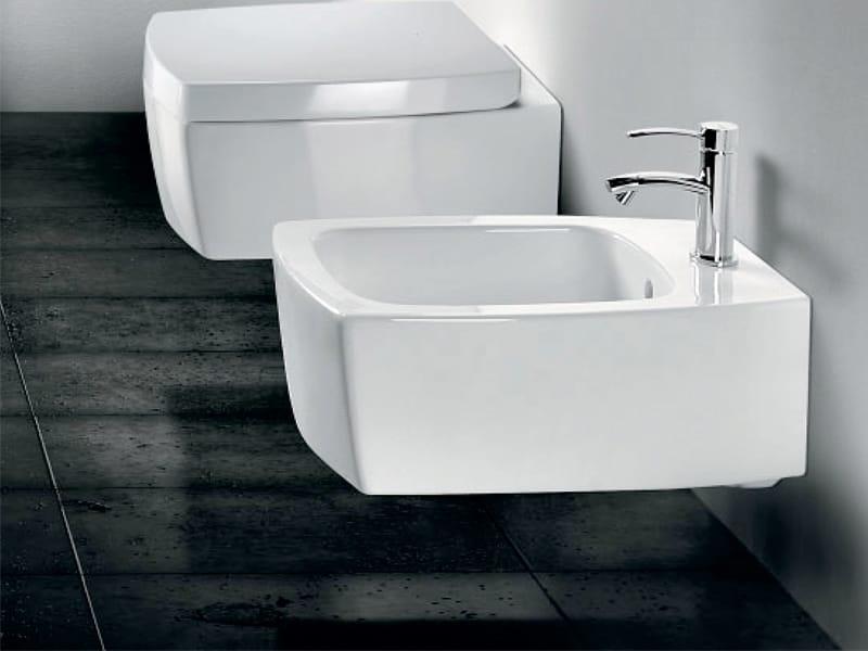Arredo bagno completo in ceramica SQUARE by A. e T. Italia design Imerio Zaminato
