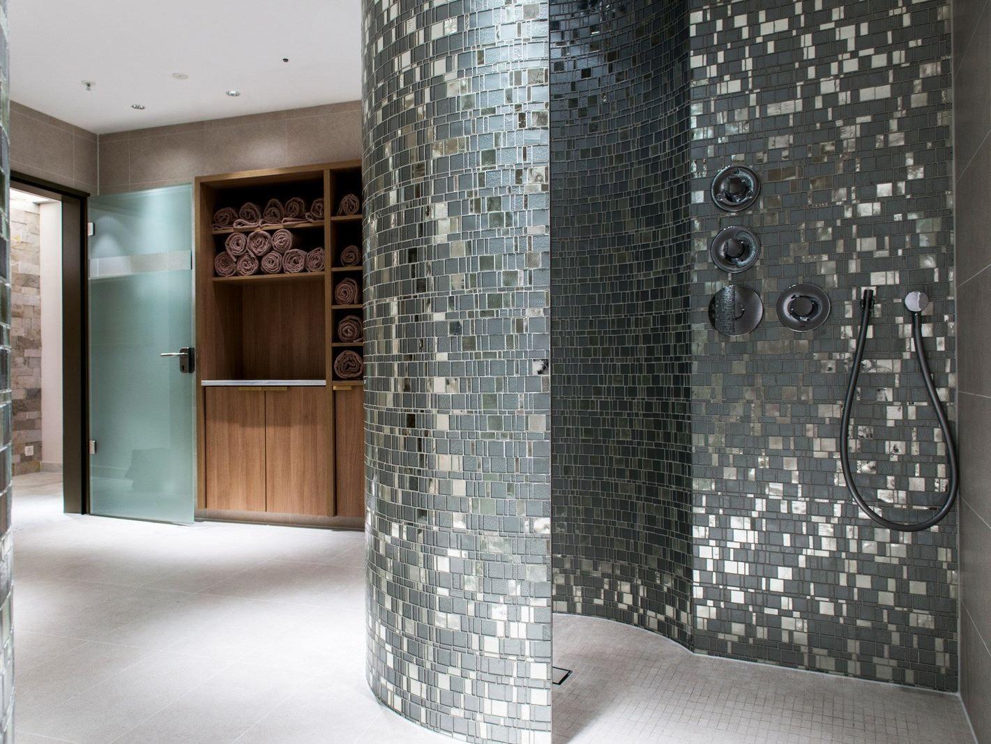 Mosaico in vetro liberty by trend group for Mosaico bisazza prezzi