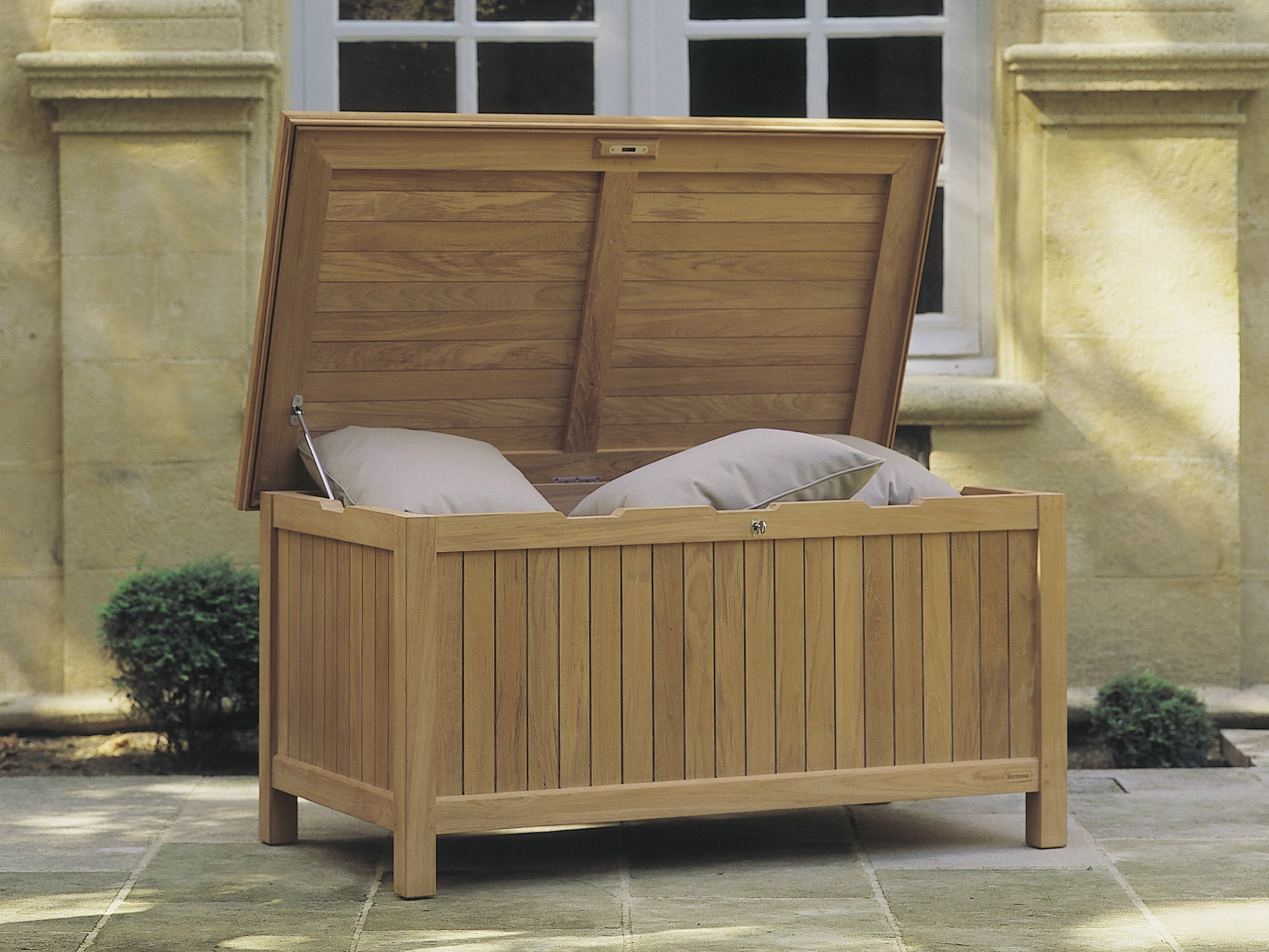 gartenschrank aus teakholz aladin by tectona. Black Bedroom Furniture Sets. Home Design Ideas