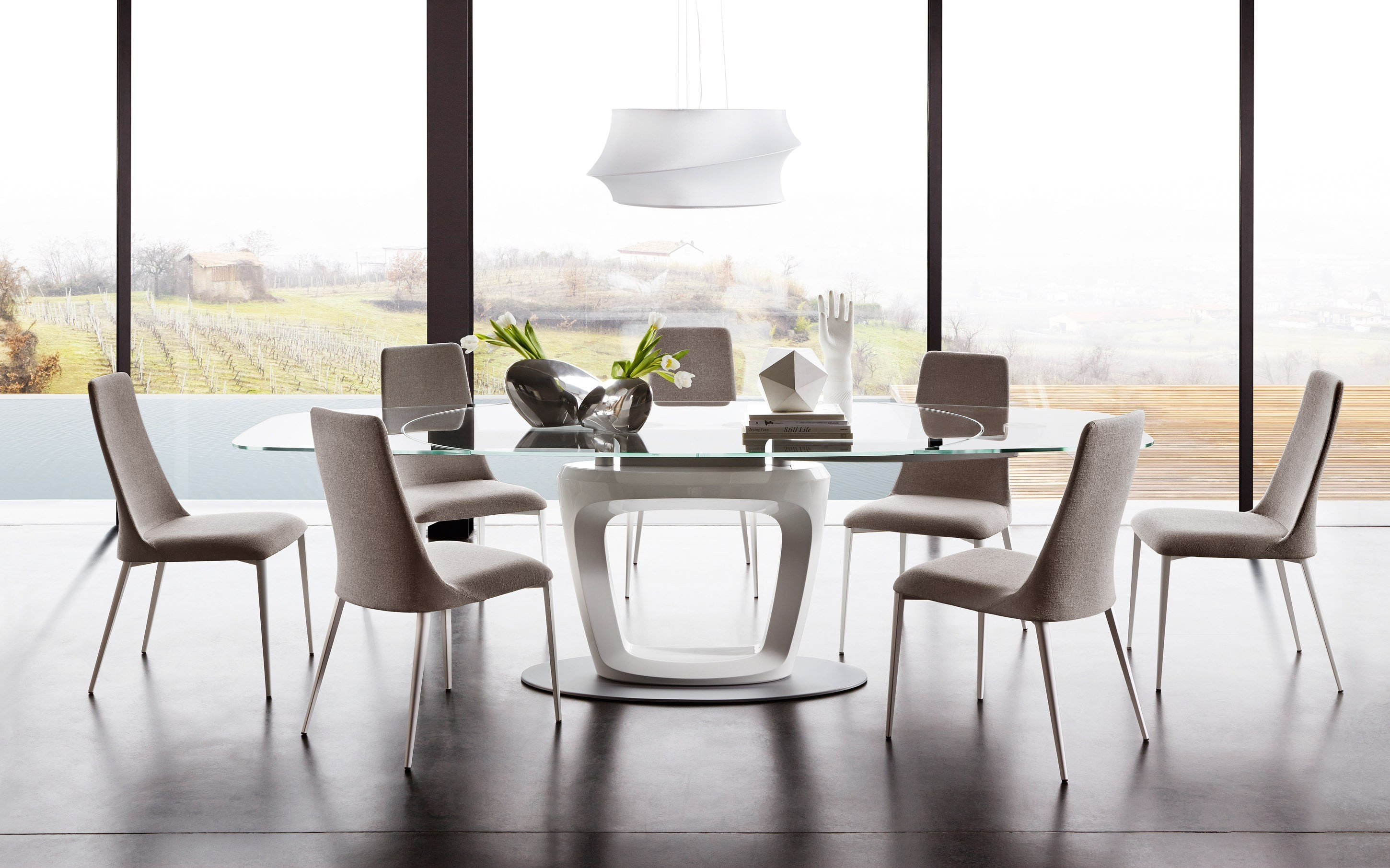 Orbital extending table by calligaris design pininfarina for Table ovale verre extensible