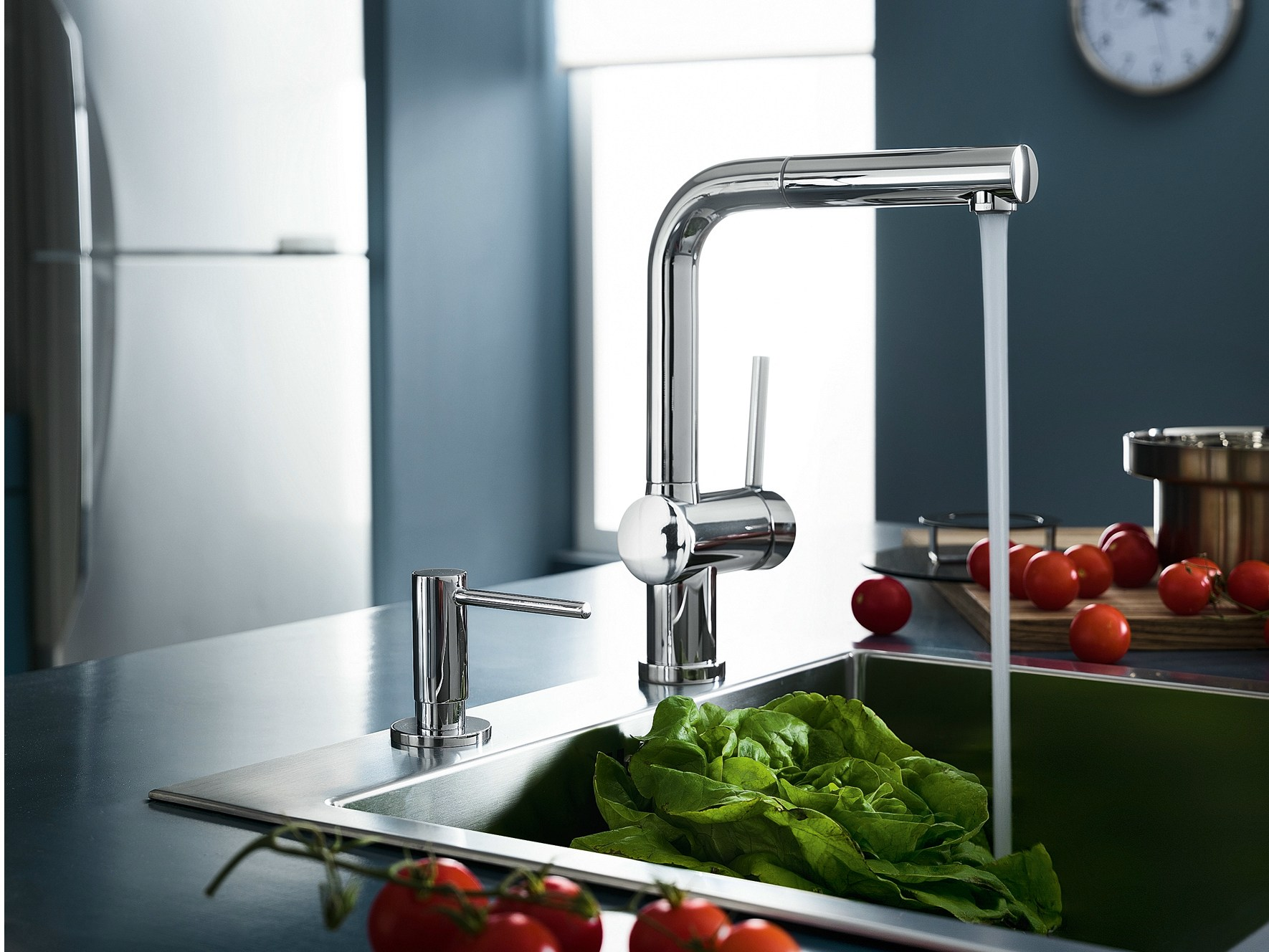 Oz miscelatore da cucina cromato by carlo nobili rubinetterie design nilo gioacchini - Miscelatore cucina con doccetta estraibile ...