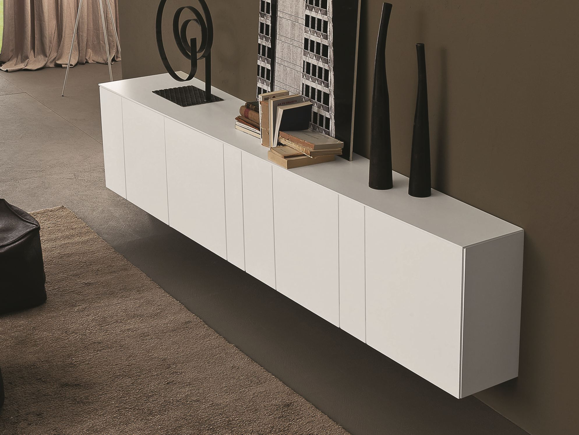Inclinart madia laccata by presotto industrie mobili for Mobil design