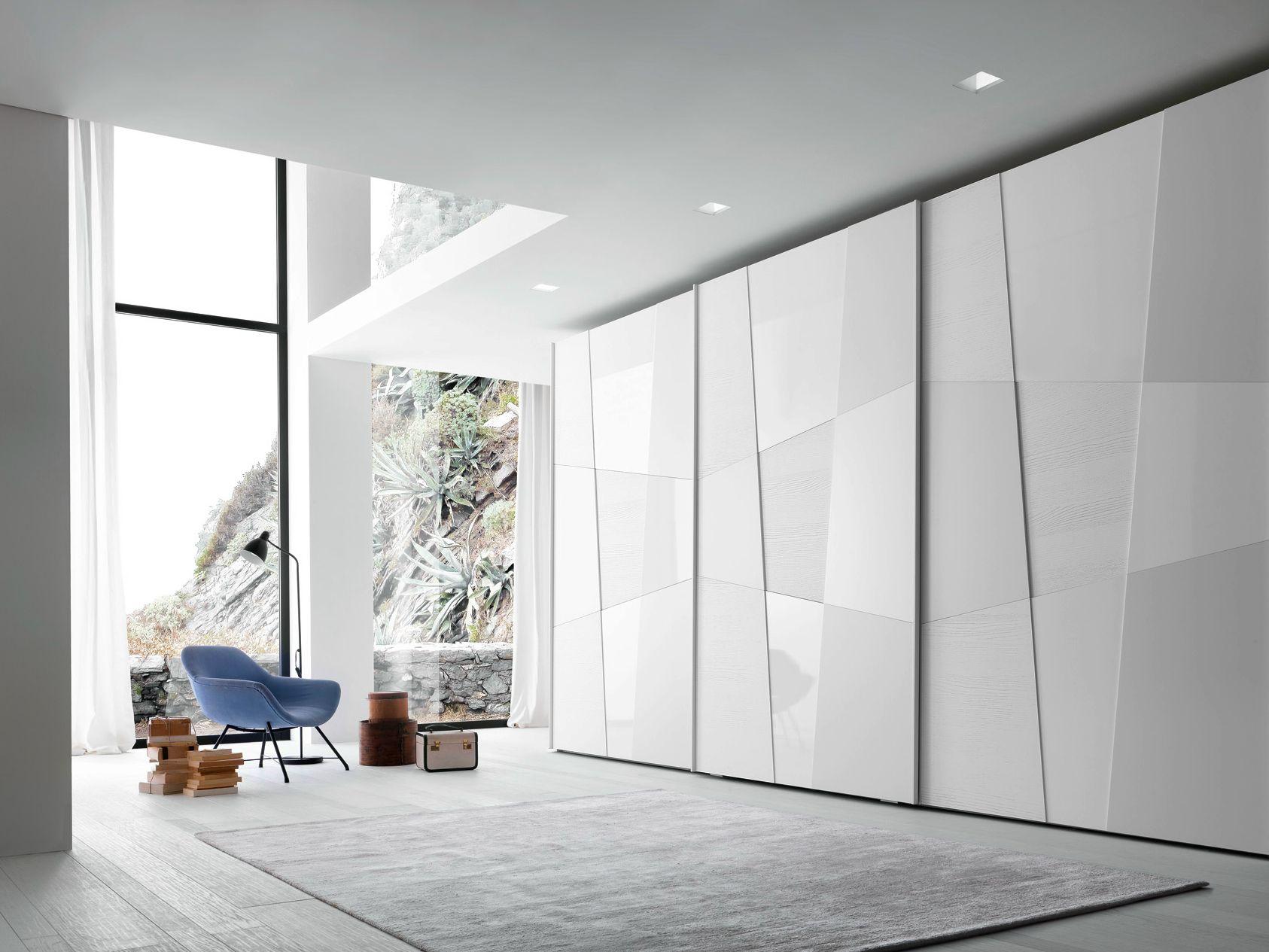 armadio componibile laccato con ante scorrevoli shape. Black Bedroom Furniture Sets. Home Design Ideas