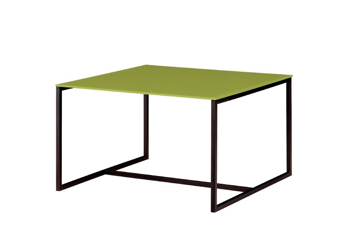 lackierter quadratischer tisch kollektion milano by colli casa. Black Bedroom Furniture Sets. Home Design Ideas