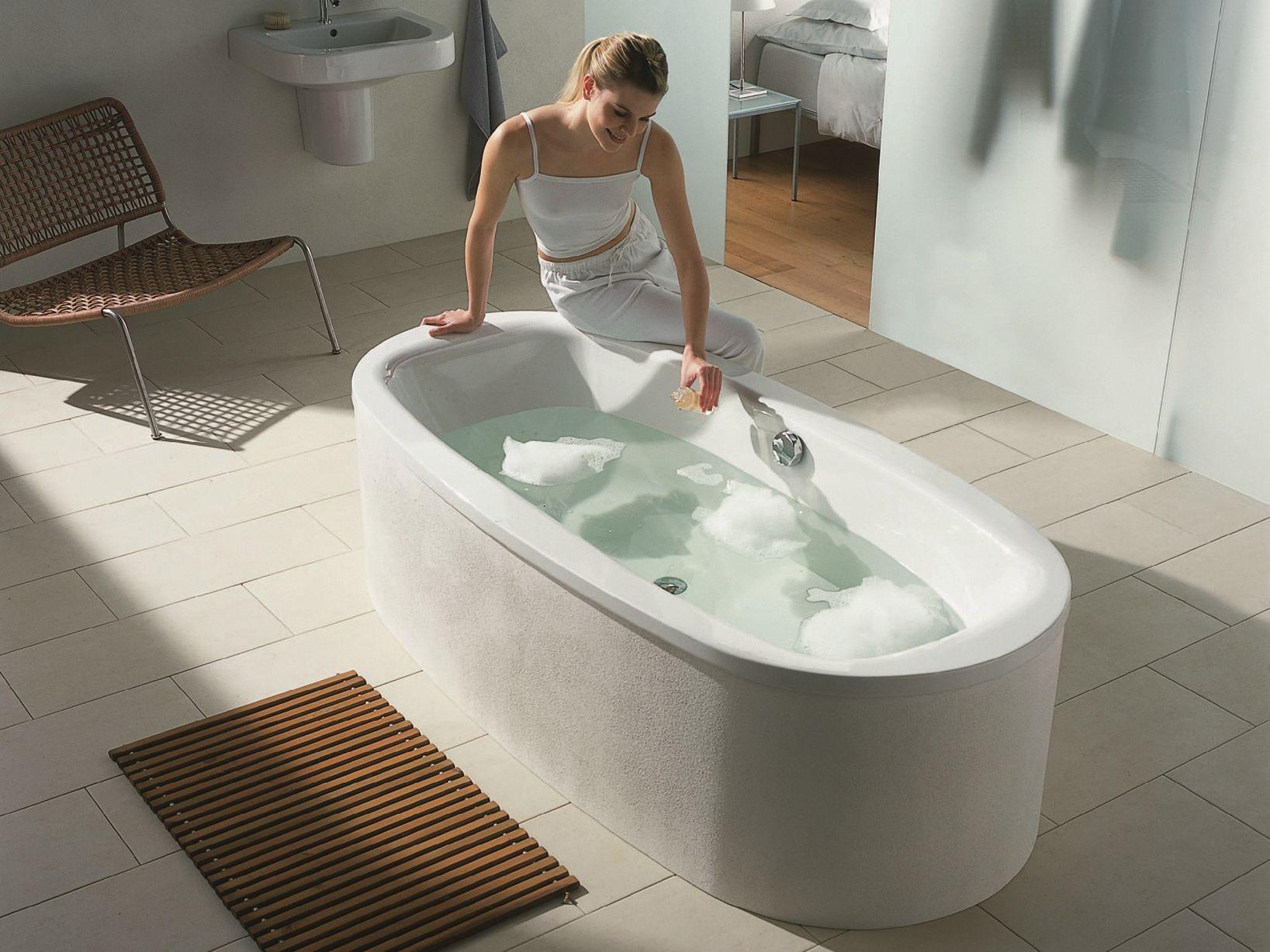 Vasca da bagno centro stanza ovale bettesteel oval by bette - Vasche da bagno ovali ...